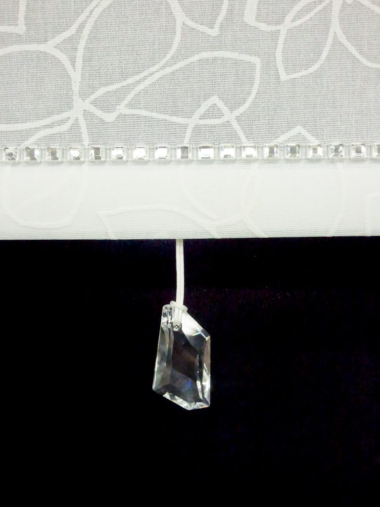 Crystal Chain Trim with Clear Crystal De Art Pull